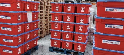 Naturkatastrophen: Water Survival Boxes für sauberes Trinkwasser