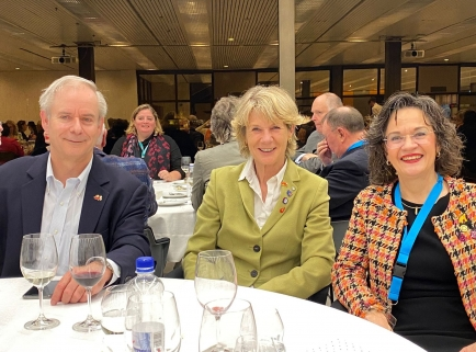 Wer wird Nachfolger*in von Ursula Schoepfer, Christine Davatz und Alex Schär?